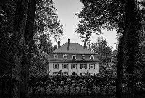 residence-1596972_640